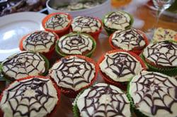 spiderweb-cakes