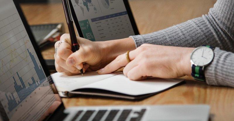 analysis-banking-business